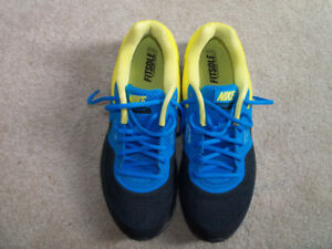 Nike Runners, Size 10, NEW, Best Offer