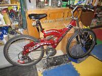 CCM mountain bike, Dual suspension. Aluminum frame