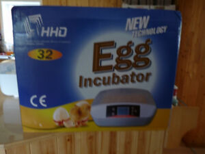 BRAND NEW FULL AUTOMATIC 32 EGG CHICKEN INCUBATOR,HATCHER