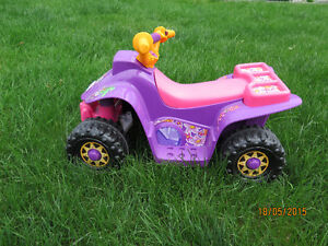 Voiture electrique pour fille / Ride-on for girls