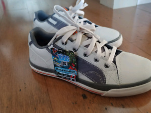 Boys sketchers shoes size 6.5 new
