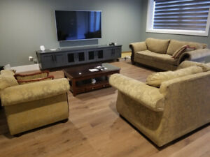 3 piece sofa set and coffee table