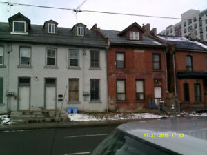 2ND FLOOR 4 BEDROOM APARTMENT $1,800.00 PLUS HYDRO, HEAT INCLUDE