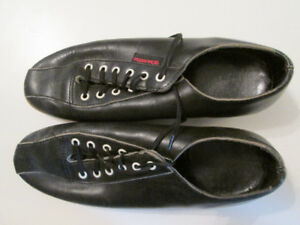 Men's Size 7 Bowling Shoes with Bag