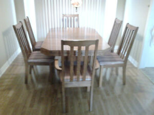Dining room set and hutch