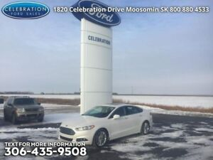 2016 Ford Fusion SE  with a Moonroof!