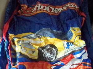 NEW HOT WHEELS BED FOLD UP AIR BED WITH CARRYING CASE Stratford Kitchener Area image 2