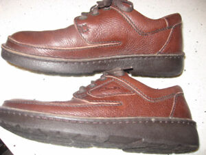 Clarks Leather Lace Up Shoes  Size 9 M
