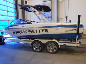 2011 Malibu Wakesetter VLX - Fresh clean trade 350 only 131 hrs!
