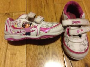 Girls size 10 Dora running shoes