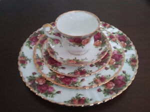 Royal Albert Old Country Roses  China (England)