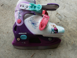 Little girl adjustable skates - frozen themed