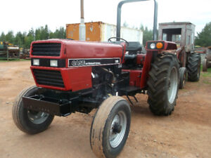 585 Case tractor