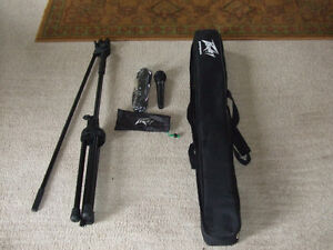 Peavey Microphone PVi100 with Cord & Boom Stand--with Carry Bag