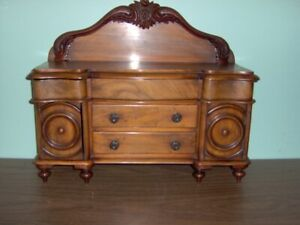SALESMAN'S SAMPLE     SIDEBOARD