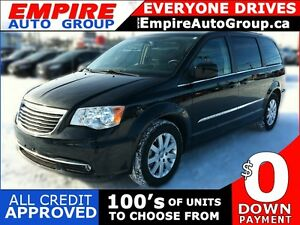 2013 CHRYSLER TOWN AND COUNTRY TOURING | LEATHER | SUNROOF | REA