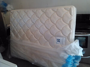 New Sealy Queen mattress