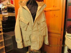 Manteau d'hiver plumes d'oies très chaud et confortable