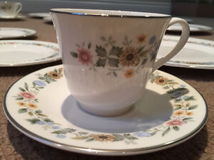 Royal Doulton English Fine Bone China