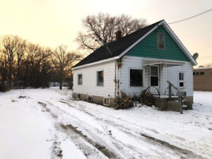 CALLING HOME FLIPPERS AND INVESTORS! NORTH-END $99,900!