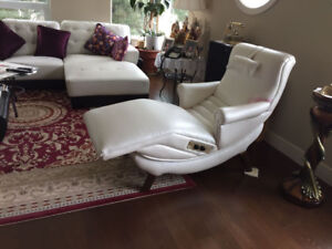 Contour Recliner - Must sell before March 31
