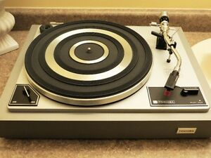 Toshiba SR-305 Vintage Turntable, Made in Japan, minty clean!