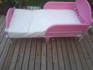 Childs bed fits up to 8 yr old