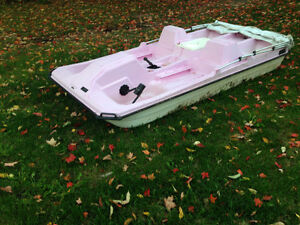 4 person paddle boat with canopy