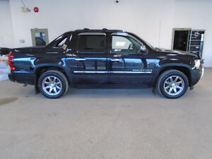 2009 CHEVROLET AVALANCHE LTZ 4X4! LEATHER! NAVI! ONLY $12,900!!!
