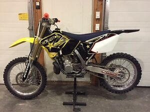 2007 Rm250 2 STROKE, VERY CLEAN LOW HOURS!!