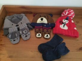 Baby hats and gloves 6-12 months