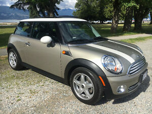 2008 MINI Cooper fully loaded - Only 52,000 kms!