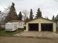 ** LIVE BY THE LAKE ** NICE HOME ** DBL GAR WITH SHOP **