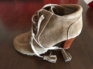 Ladies booties size 36 Country Road Ferryden Park Port Adelaide Area Preview