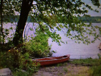 WATERFRONT GET AWAY ON THE ST. JOHN RIVER (GORHAM'S BLUFF)