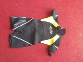 Child's XS 2 shorty wetsuit