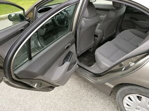 2006 Honda civic  DX-G Sedan West Island Greater Montréal image 7