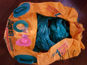 Life jackets floaties Puddle jumpers