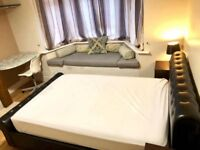 LOVELY DOUBLE ROOM IN NORTHOLT