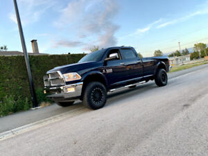 2015 RAM 3500 laramie  crew cab long box 92,000kms