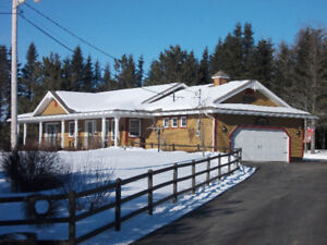 Beautiful Waterfront House with 2 car garage in Rexton
