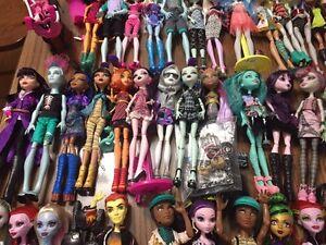 HUGE Monster High Lot London Ontario image 5