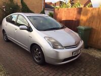 Toyota Prius 2007 automatic hybrid drives very well very economical