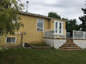 2 STORY, 4 BDRM, 2 BATH HOME IN MILLWOODS