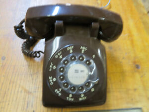 Brown Northern Electric rotary dial desk phone