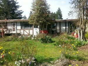 1 1/2 Acres Ladysmith Home/Light Industrial