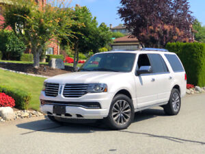 2016 Lincoln Navigator Select Ecoboost SUV - Only 35km