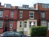 2 bedroom house in Compton Row