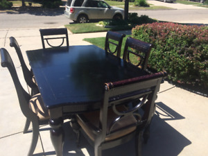Dining / Kitchen Table for sale