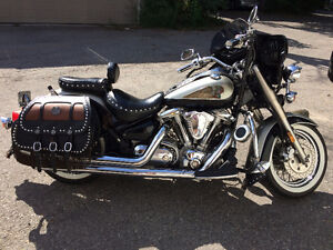 REDUCED TO SELL -  INDIAN Look-Yamaha Road Star 1600cc